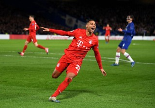 Gnabry và Lewandowski đánh sập Stamford Bridge