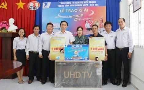 VNPT - Bến Tre trao thưởng cho khách hàng