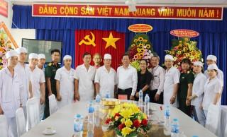 Bí thư Tỉnh ủy thăm các đơn vị y tế nhân Ngày Thầy thuốc Việt Nam