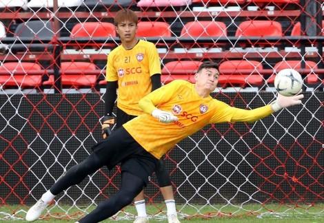 Lần đầu dự bị, Đặng Văn Lâm nhìn Muang Thong United thắng trận đầu tiên