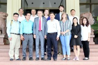 Phó Chủ tịch UBND tỉnh Nguyễn Hữu Lập tiếp và làm việc với Đoàn công tác Đại sứ quán Hà Lan