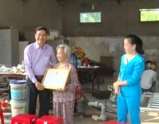 Tri ân tấm lòng bà Nguyễn Thị Hưởn