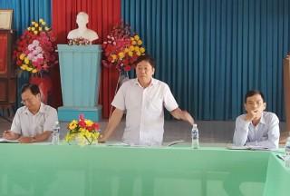Đoàn công tác tỉnh kiểm tra tiến độ xây dựng nông thôn mới xã Bình Khánh