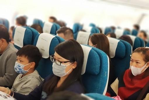 Khuyến cáo tất cả hành khách giao thông đều đeo khẩu trang