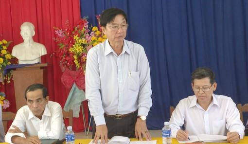 Huyện ủy Thạnh Phú làm việc với Đảng ủy xã Thạnh Hải