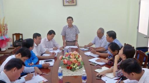 Thường trực Huyện ủy Thạnh Phú làm việc với khối Vận
