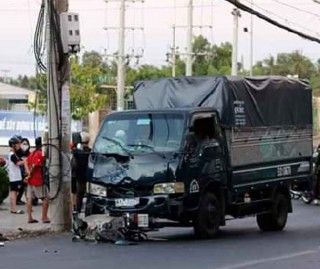 Tai nạn giao thông làm 2 người thương vong