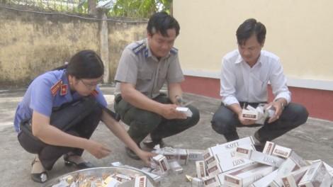Ba Tri tiêu hủy trên 2.000 bao thuốc lá