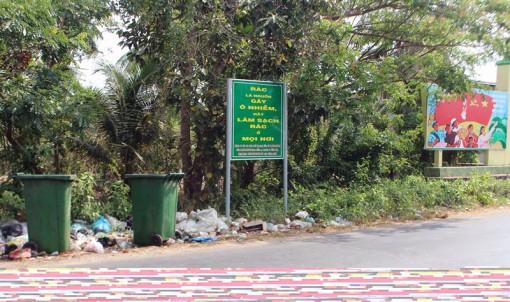Thùng rác làm mất nét mỹ quan đường phố