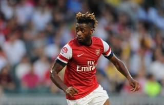 Tin bóng đá mùa COVID-19 30-3-2020: Cựu cầu thủ Arsenal bị sa thải vì không chịu giảm lương