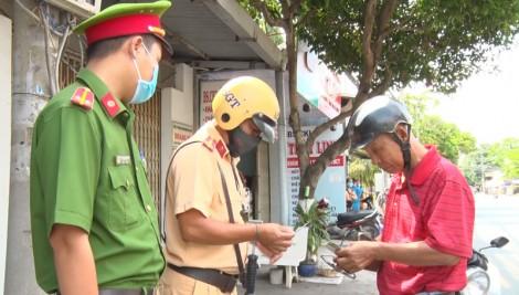 Ra quân xử phạt các trường hợp không đeo khẩu trang nơi công cộng