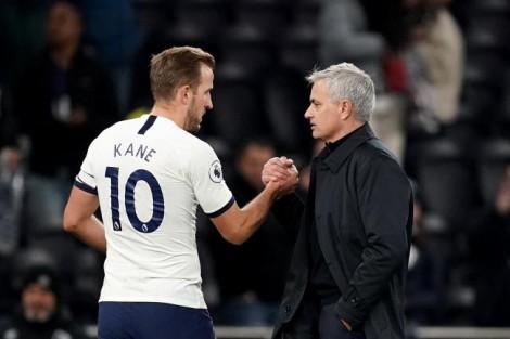 Tin bóng đá mùa COVID-19 1-4-2020: Mourinho chuẩn bị giảm lương khủng