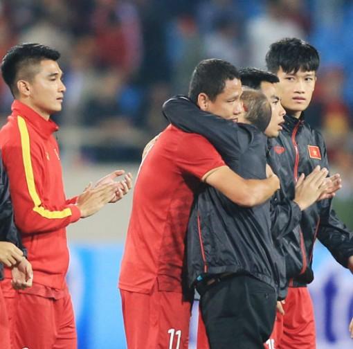 HLV Park Hang Seo thừa nhận đau đầu khi Anh Đức giải nghệ