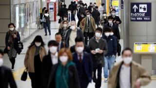 Nhật Bản xem xét áp lệnh tình trạng khẩn cấp trên toàn quốc