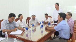 Bí thư Huyện ủy Thạnh Phú làm việc với Công ty Phú Điền