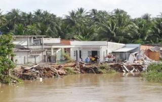 Quyết định tình huống khẩn cấp sạt lở bờ sông Mỏ Cày