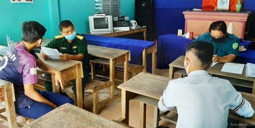 Mỏ Cày Bắc tổ chức đăng ký nghĩa vụ quân sự cho nam thanh niên