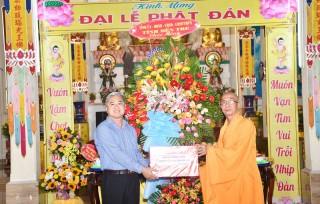 Lãnh đạo tỉnh thăm, chúc mừng các tổ chức, chức sắc tôn giáo nhân Đại lễ Phật đản