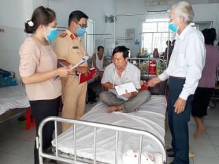Thăm, hỗ trợ gia đình có nạn nhân bị tai nạn giao thông