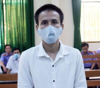 Trộm cắp tài sản, bị phạt 3 năm 6 tháng tù