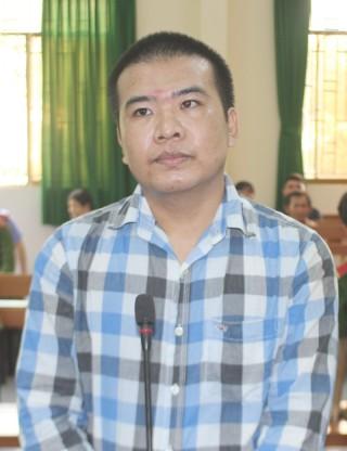 Cướp giật tài sản, bị phạt 4 năm 6 tháng tù