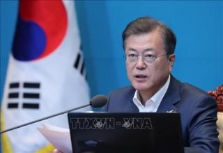 Tổng thống Hàn Quốc kêu gọi thực hiện chính sách tài chính thời chiến do COVID-19