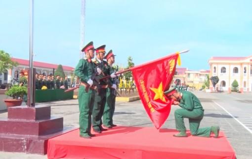 Lãnh đạo TP. Bến Tre thăm tân binh tại Cần Thơ
