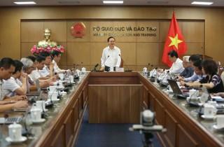 Bộ trưởng Bộ GD-ĐT: Sẽ có quy chế riêng về học online và mức thu học phí