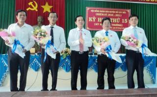 Mỏ Cày Bắc tổ chức kỳ họp HĐND phiên bất thường