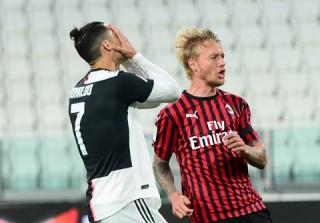 Juventus nhọc nhằn vào chung kết Coppa Italia