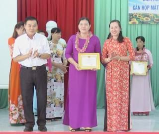 Hội nghị điển hình tiên tiến phụ nữ huyện Chợ Lách