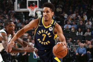 Thêm một cầu thủ Indiana Pacers dương tính với COVID-19