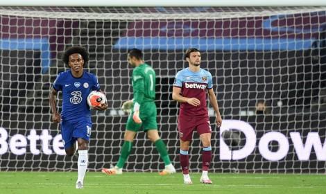 Chelsea thua sốc, đua top 4 nóng ran, Arsenal tạm chiếm vị trí thứ 7