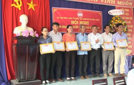MTTQ Việt Nam Giồng Trôm sơ kết 5 năm phong trào thi đua yêu nước