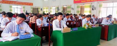 Kỳ họp thứ 11 HĐND huyện Thạnh Phú thông qua 10 nghị quyết