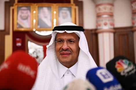 Saudis Arabia dọa mở cuộc chiến giá dầu mới nhằm vào 'những người anh em' OPEC