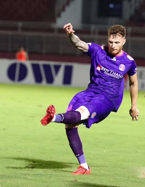 Bất bại 8 trận, Sài Gòn lên đầu bảng V.League 2020