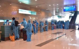 Thêm 14 ca mắc mới COVID-19 từ Bangladesh trở về, Việt Nam có 369 ca