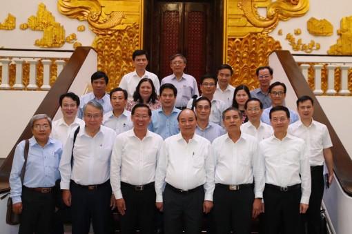 Thủ tướng Chính phủ Nguyễn Xuân Phúc làm việc với lãnh đạo tỉnh
