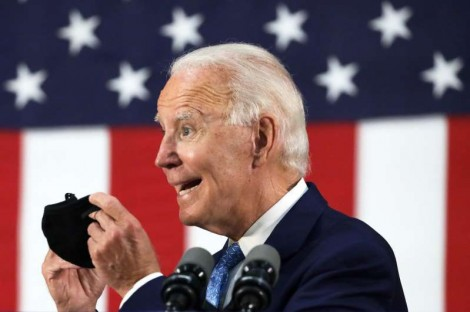 Trump thu hẹp cách biệt với Biden, dẫn trước ở lớp cử tri da trắng