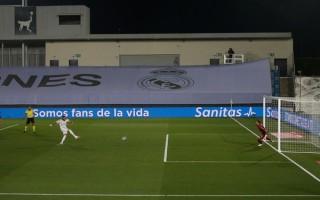 Real Madrid chạm một tay vào chức vô địch