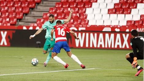 Benzema giúp Real chạm 1 tay vào chức vô địch La Liga