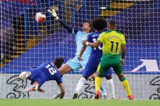 Chelsea củng cố vị trí thứ 3