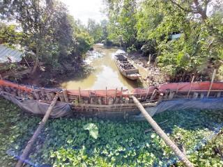 Phát huy hiệu quả các đập tạm ngăn mặn ở Chợ Lách