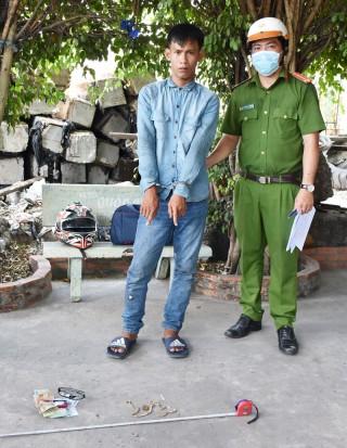 Truy bắt hai tên cướp giật nguy hiểm