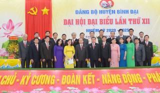 Bế mạc Đại hội đại biểu Đảng bộ huyện Bình Đại