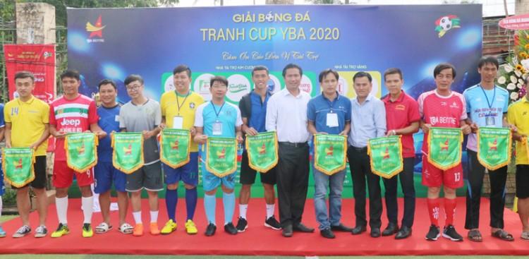 Khai mạc giải bóng đá của Hội Doanh nhân trẻ Bến Tre