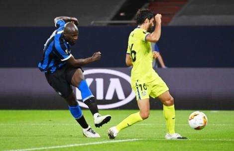 Inter Milan và MU vào tứ kết Europa League