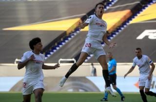 Sevilla hiên ngang vào tứ kết Europa League