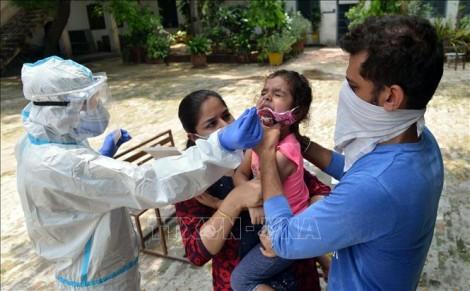 Thế giới vượt 19 triệu ca bệnh; riêng Mỹ trên 5 triệu ca